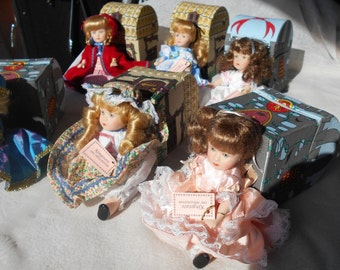 Kingstate 1980's. 6 Storybook doll set