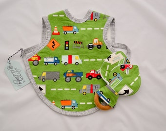 Adorable Baby Apron, Bapron, Fleece lined bib, Trucks, Baby Bib,automobiles, Baby Accessories, Absorbant bib, Baby Shower gift, Baby Bapron