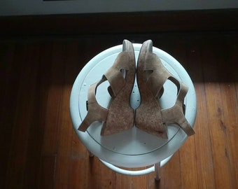 Size 9 Cork suede wedge clark sandals 90s comfortable heel boho size women's casual dress  shoes tan nude beige summer vacation beach
