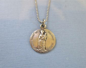Our Lady of Notre Dame - Virgin Mary Necklace - Madonna & Child Religious Medal - Pendant Necklace - Religious Jewelry - Catholic Jewelry