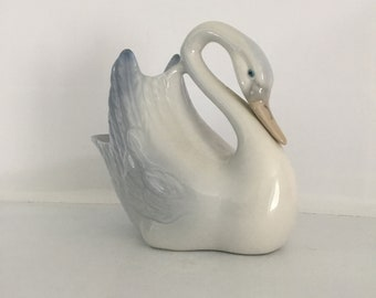 Tengra Swan Spain Spanish vintage pretty trinket vase trinket blue white pretty