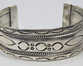 1970's Navajo Hand Stamped Cuff Bracelet in .925 Sterling Silver Unsigned 29.9g