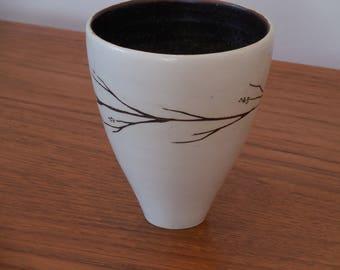 PAI. MA signé pot en céramique