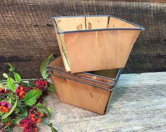 Vintage Split Wood Strawberry Baskets/Set of Four/Metal Rim/Farmhouse Decor/Harvest