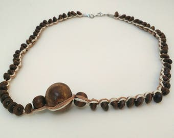 Macrame and Wood Beads Necklace