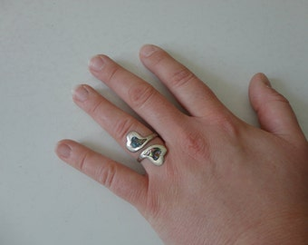 VINTAGE sterling silver and abalone double HEART taxco RING