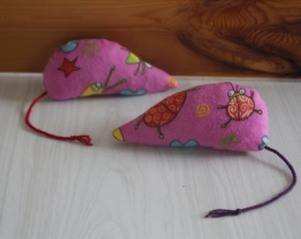 Cat, mouse for recycled cat toy, contains catnip, organic catnip, eco-friendly toy