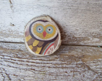 Antiqued Yellow Owl Magnet On Wood Chip Whimsical Woodland Cottage Traditional Farmhouse Children MidCentury Style Owl Neodymium Magnet M-5