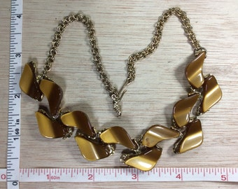"""Vintage 15"""" Gold Toned Necklace Brown Used"""