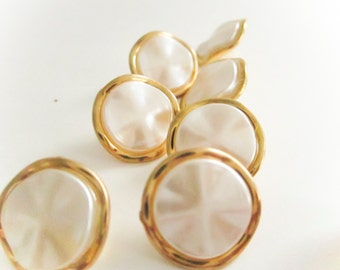 Wavy Gold and Pearl Buttons, Plastic Buttons, Vintage Buttons,Shank backing, Button jewelry, sewing buttons, craft supplies