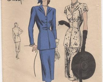 "1940's Vogue Special Design Two Piece Dress with distinct neckline - Bust 32"" - UC/FF - No. 4789"
