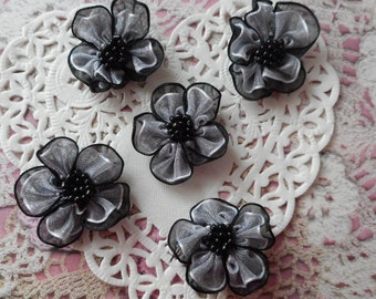 Black and white organza flowers like hearts beaded 3.00 cm in diameter (with 5 flowers)