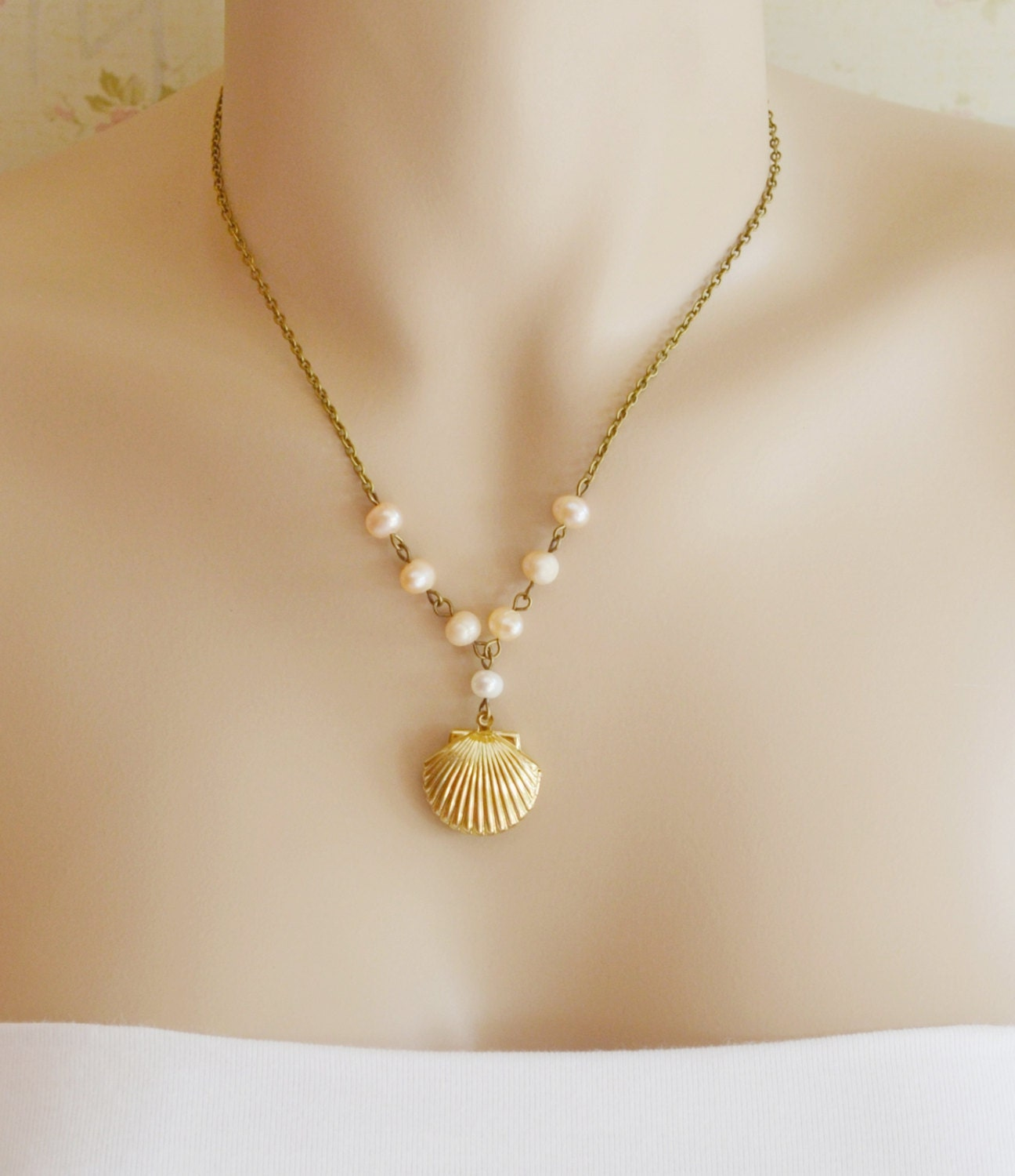Sea shell locket necklace scallop shell locket pendant zoom mozeypictures