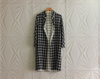 Vintage Black and White PLAID Hauliuetrigere PEACOAT Jacket Winter Swing Coat Midi Wool Size Large