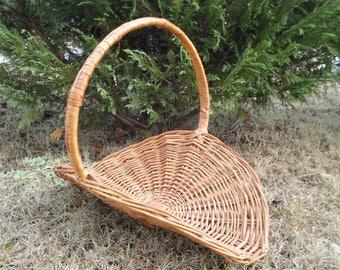 Extra Large vintage flower basket, flat basket with handle, romantic decor country display, old world gathering basket, rustic wedding, huge