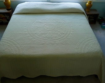 Amish Pineapple Wholecloth Quilt