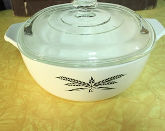 Anchor Hocking Wheat Casserole Dish With Lid