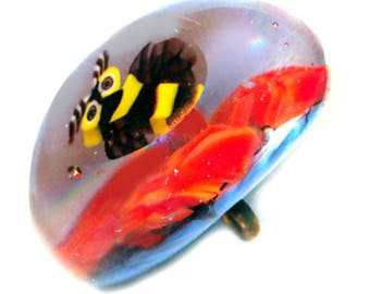 Button--Modern Studio Lampwork Paperweight Bee and Flowers