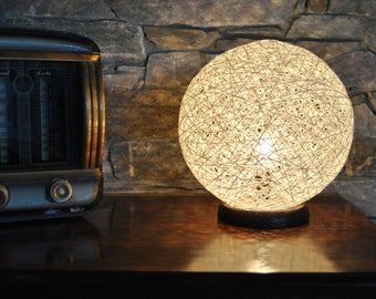 Susan, Modern Table Lamp made of thread