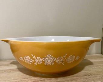 Pyrex Butterfly Gold 444 Cinderella Bowl