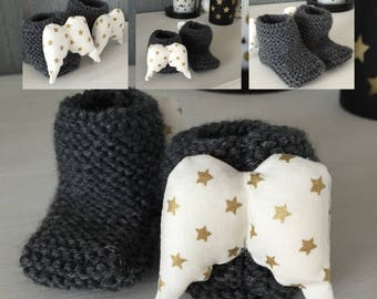 Bottons wool charcoal baby with white wings with gold stars
