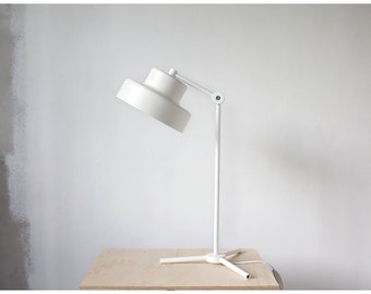 Tripod Table Lamp in White, Metal Desk Lamp, Industrial White Table Lamp, Reading Lamp, Scandinavian Lamp, Handcrafted Lamp