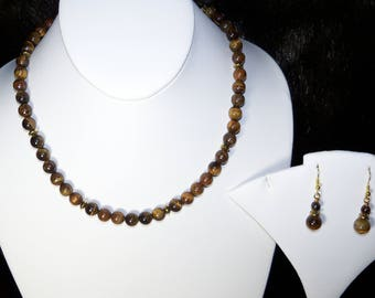 A Beautiful Tiger Eye Necklace and Earrings. (2017168)