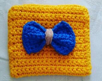 Handmade yellow crochet coin purse / free shipping