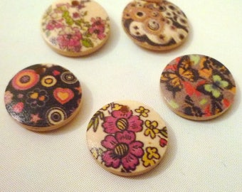 Set of 5 charms round buttons in various patterns, flowers, butterflies, hearts... 1 hole