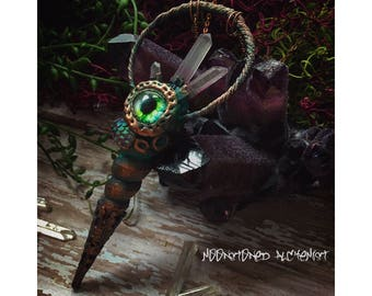 Large Green Eye'd Shellbie - Mermaid Treasure Sea Shell Necklace with Quartz Crystals and Iridescent Mermaid Scales