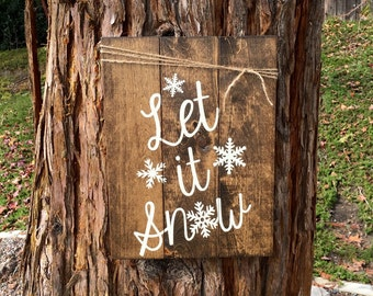 Let it Snow,Christmas Sign,Holiday Decor,Wood Sign,Pallet Sign,Wood Decor,Pallet Decor,Rustic Holiday Decor,Snowflake Sign,Farmhouse Decor