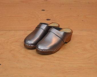 Vintage Tessa Swedish Leather Clogs Mules Slip On Wood Sole SZ 7.5