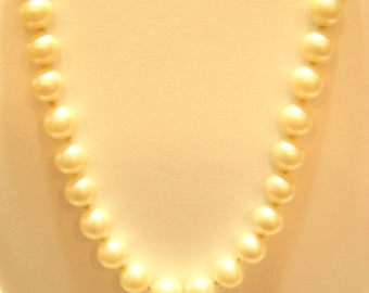 Vintage MARVELLA PEARL NECKLACE  (4835)