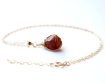 Raw Garnet Necklace, Raw Garnet Pendant, Dark Orange Raw Stone Necklace Gold, Dainty Raw Crystal Necklace, January Birthstone Jewelry