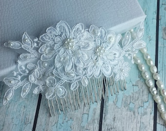 White Bridal Lace Vintage Inspired Wedding Comb ,Wedding Lace Hair Comb,Bridal Accessories