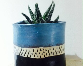 handmade ceramic plant pot