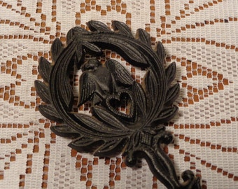 Vintage Cast Iron Trivet  - Virginia Metal Crafters Black Trivet  -  16-090