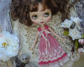 Blythe vintage red dress, Blythe clothes, Pullip dress, pullip clothes, lace dress, red dress with lace