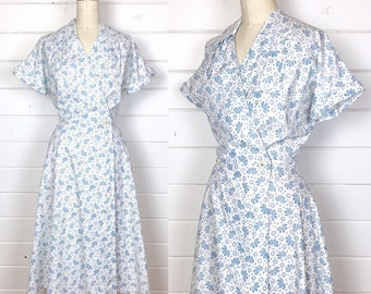 Vintage 1950s Blue & White Cotton Day Dress / Wrap Dress / Rhinestone Buttons / Shirtdress / Full Skirt