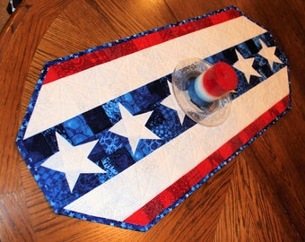 Patriotic Table Runner Quilt,  Choose your Size! MADE TO ORDER - Red, White and Blue Quilt, 4th of July, Independence Day Quilted Runner,