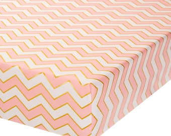 Fully Elastic Fitted Crib Sheet Pink/White Chevron