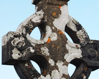 Celtic Cross - West Coast of Ireland - SHile 2009 All Int'l Rights Reserved