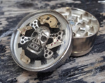 Steampunk Herb Grinder - Steampunk Pirate Skull Spice Crusher - Metal herbs and weed grinders - Amazing gift for 4:20 girls and boys