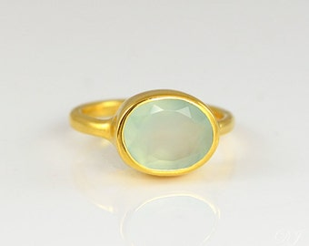 Aqua Chalcedony ring, Seafoam rings,  March Birthstone jewelry, stackable birthstone ring, oval ring, stackable rings birthday gift for her