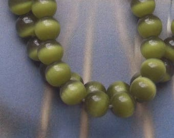 6 ROUND BEADS 8 MM OLIVE GREEN GLASS CAT'S EYE