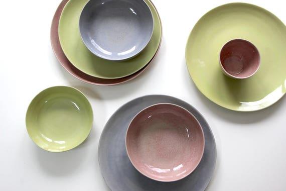 steinzeug teller set gelb violett rosa keramik geschirr. Black Bedroom Furniture Sets. Home Design Ideas