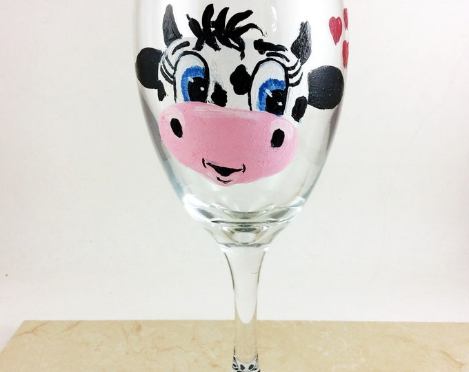 Cow Wine glasses, Painted wine glass, Housewarming gifts,  Wine lover gift, Gift for her, Cow gifts, Cow Lover Gift, Gift for Mom, Gifts