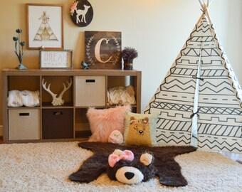 Bear Rug / Faux Bear Rug / woodland nursery / Baby room decor / Bow / animal playmat  / ClaraLoo