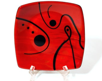 Plate - Black on Red curved square plate - 2