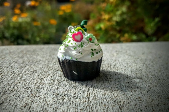 Vanilla Cupcake with Sprinkles and Candy Charm - SCENTED